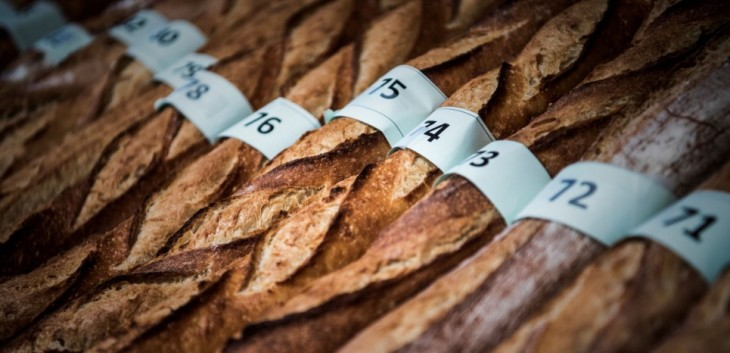 Baguettes are seen during the traditional Paris' baguette Grand Prize in Paris on April 17, 2017. / AFP PHOTO / PHILIPPE LOPEZ